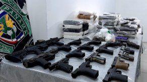 Tras 17 allanamientos en Pedregal decomisan 20 armas de fuego