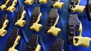 EEUU: Adolescente demanda a la policía por pistola eléctrica
