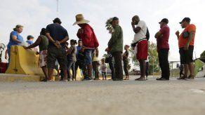 Buscan impedir que se niegue fianza a solicitantes de asilo