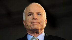 Senador McCain a favor del acuerdo bipartidista para el control de armas