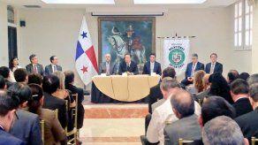 Presidente Varela comienza reunión con diplomáticos tras escándalo de Panama Papers