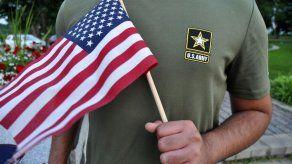 Ejército de EEUU da de baja a inmigrantes