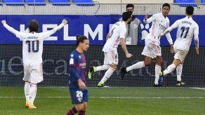 Real Madrid sufrió ante el colista Huesca para llevarse la victoria