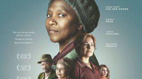 Filme sudafricano Poppie Nongena gana gran premio de festival de cine BRICS