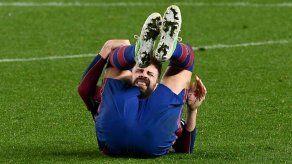Piqué sufre un esguince de rodilla a una semana del PSG