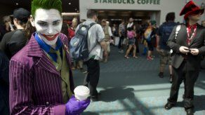 Oliver Stone y Snowden se cuelan entre los superhéroes de la Comic-Con