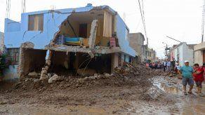 Avalancha de lodo arrasa un pueblo de Perú matando a un niño