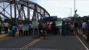 Transportistas en Bocas del Toro realizaron cierre de calle