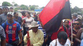 Coordinadora Victoriano Lorenzo pide legalización de tierras ante Miviot