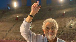 Víctimas de Plácido Domingo evalúan denunciarle por difamación en EE.UU.