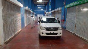 Tras confirmación de casos de COVID-19 en Merca Panamá desinfectan instalaciones