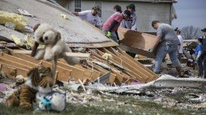 Surge esperanza en la devastación tras tornado en Tennessee