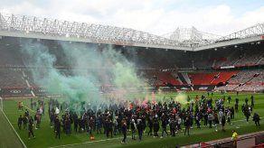 Manchester United-Liverpool aplazado tras invasión de Old Trafford
