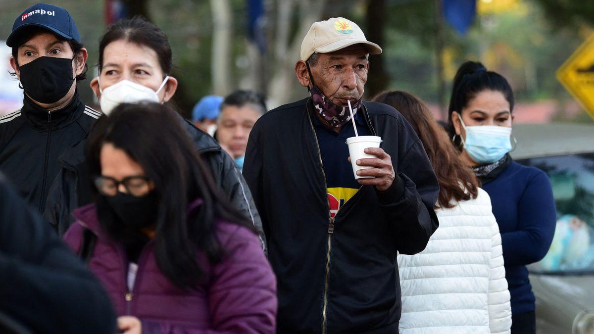 Las autoridades sanitarias de Paraguay retiraron la mayor parte de las restricciones vigentes hasta ahora, aún los eventos y reuniones sociales.