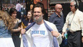 La barba de Jim Carrey le roba todo el protagonismo