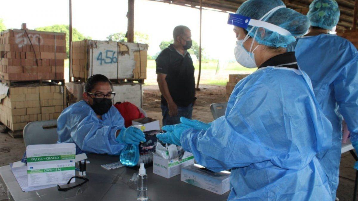 Los equipos de trazabilidad del Minsa se trasladan a diferentes partes del país para detectar más casos de COVID-19.