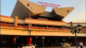 Cuba limita viajeros de media docena de países por COVID-19