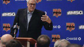 Phil Jackson deja Knicks luego de tres pésimas temporadas