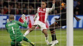 Dest deja concentración de Ajax en Qatar