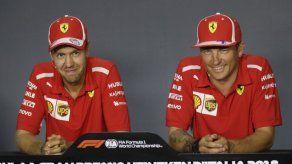 Vettel busca borrón y cuenta en Singapur