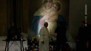 Francisco elogia a Benedicto pese a divisiones