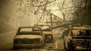 Incendio en norte de California: Agilizan búsqueda de restos