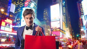 ¿Los hombres gastan más dinero cuando están solteros o casados?
