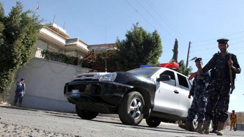 Fallece el diplomático iraní herido de bala en la capital de Yemen
