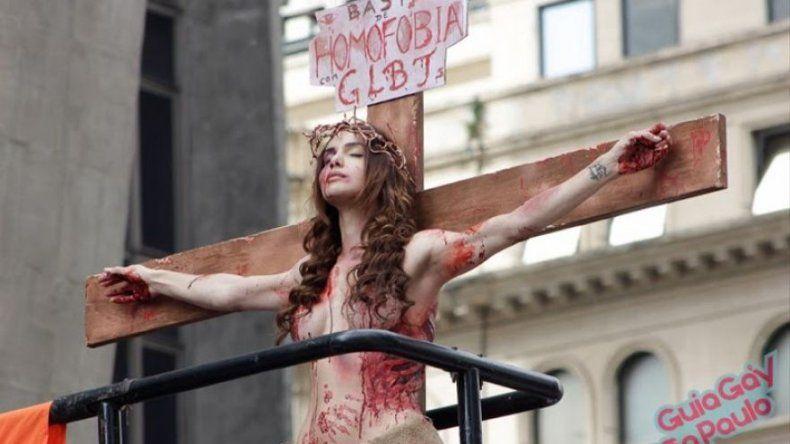 Rio de Janeiro decide si prohíbe burlas a la religión