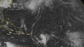 Fay se convierte en huracán y se aleja de Bermudas