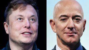Elon Musk y Jeff Bezos en duelo de palabras por proyectos espaciales