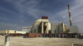 UE deroga sanciones a Irán por cumplir acuerdo