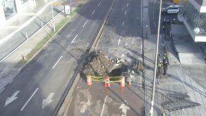 Un paño de la vía Brasil cerrado tras trabajos de reparación de una tubería
