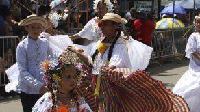 Santeños conmemoran el primer grito de independencia