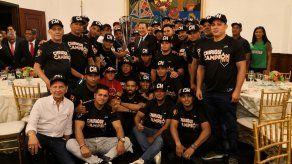Campeones de Chiriquí agasajados en la Presidencia de la República