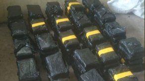 Incautan 115 paquetes de droga a bordo de un bus en el puesto de control de Guabalá