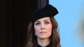 Dimite la locutora australiana que suplantó la identidad de Isabel II