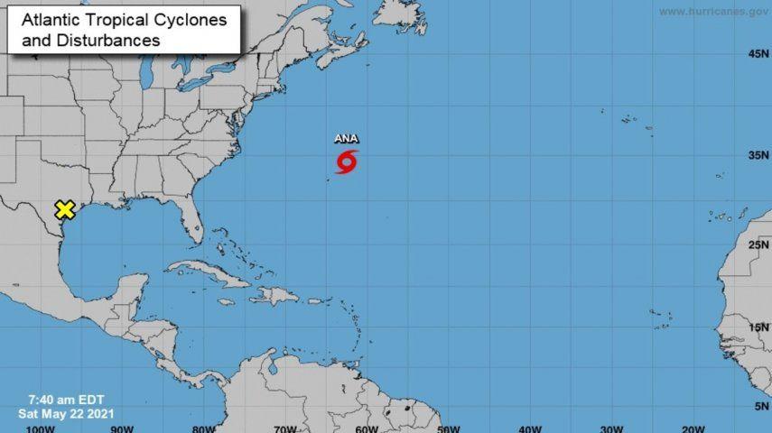 La tormenta va a mantener una trayectoria lenta y errática a lo largo de la jornada y el domingo y el lunes cobrará velocidad en su avance al noreste.
