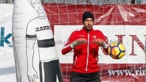 Jaime Penedo volvió a ser suplente con Dinamo