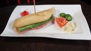 Sandwich sexy con ají trompito - Susan Castillo y Marco Oses