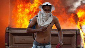 Gobierno de Maduro bloquea ingreso de ayuda humanitaria a Venezuela