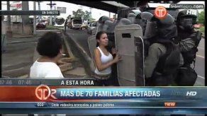Afectados por inundación en Juan Díaz cierran la vía en El Parador