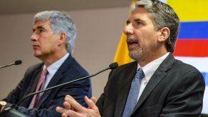 Embajador de EEUU tacha de torpe declaración de Maduro sobre exjefes de FARC