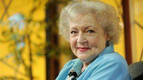 Betty White dice que favorece a Barack Obama en las elecciones