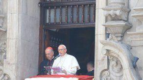 El papa asegura que la política en Latinoamérica sufre una gran decadencia