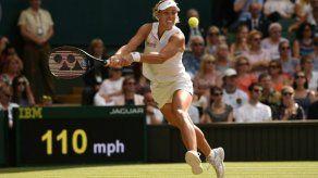Angelique Kerber agua la fiesta de Serena Williams en Wimbledon
