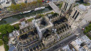 Arzobispo de París celebra Viernes Santo en Notre Dame vacía