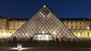 El Louvre colabora con Uniqlo en el lanzamiento de su nueva tienda en línea