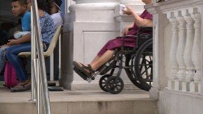 Trabajador con enfermedad crónica que sea restituido tendrá derecho a pago de salarios dejados de percibir