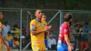 Nicolás Yuyu Muñoz es el segundo goleador histórico en El Salvador